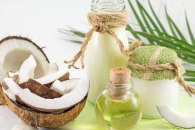 óleo de coco em frascos
