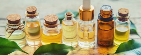 varios frascos de remédios naturais